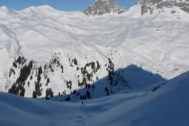 Abfahrt vom Spitzenbüel nach Westen, gegenüber der Schafberg, unser nächster Gipfel