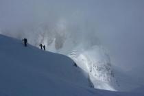 An der Fonda Savio Hütte (mi.) vorbei in die Forc. della Neve.