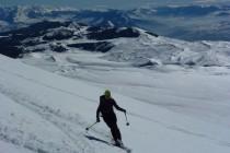 …mit Blick über das Campo Imperatore zur Maiella, unseren Gipfeln der ersten Tage