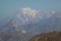 Tolle Sicht von der Gnifetti-Hütte bis zum Mt. Blanc