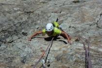 """Super Wetter, super Fels: Eine geniale Tour war die """"Soleil Glacial"""" an der Sagnette 2840m. 16 Seillängen, oft 6/6+ in bestem Fels.Eva in der schwierigsten Seillänge (7)"""