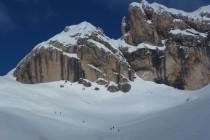 Zu Beginn der Abfahrt war der Schnee noch windgepresst