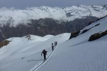 Aufstieg zur Tiergartenspitze 3068m im Langtauferer Tal.