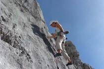 2. Seillänge: Vom Standplatz weg gleich die interessante Platte, super zu klettern, 6+