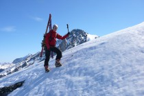 Zum Abschluss gönnten wir uns noch das Rinderhorn 3445m, mit seiner Steilabfahrt.
