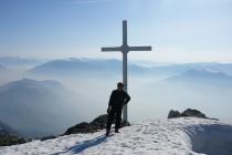 8 Uhr 50, super Aussicht vom Gipfel des Monte Stivo.