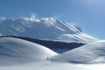Ab dem dritten Tag gutes Wetter, aber noch Windfahnen an den Gipfeln.