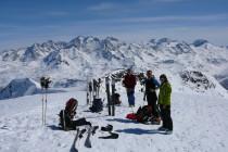 Piz Lagrev, im Hintergrund u.a. Piz Bernina 4047m mit dem Biancograt und der Piz Roseg.