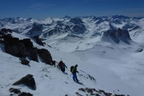 Die klare Luft ermöglichte uns fantastische Aussicht vom Ortler/Königsspitze über die Bernina, Monte Disgrazia, Bergell mit Piz Badile und Wallis bis zum Berner Oberland mit Finsteraarhorn.