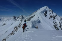 ...im Gipfelbereich mit starkem Wind.