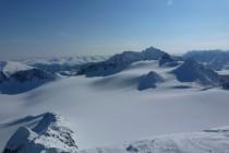 ...Die Abfahrt führt über diesen Gletscher