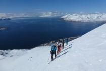 ...Je höher wir kamen, desto härter wurde die Schneeoberfläche.