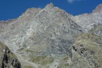 """Pointe des Arcas 3479m, die Route """"Engat's aux Arcas"""" verläuft knapp rechts der Bildmitte."""