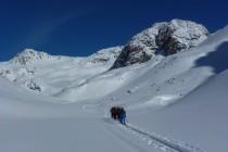 Drei Tage (und einige cm Schneefall) später auf dem Weg zur Fuorcla Chamuotsch 2923m.