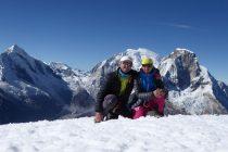 Gipfel Nevado Pisco 5760m, hinten Huascaran und Chopicalqui (li.)