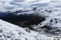 Neuschnee am Falzaregopass, Croda di Lago (li.) und Averau (mi.)