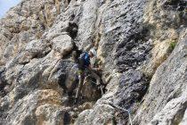 Mit zusätzlicher Absicherung (Klemmkeile, Camalots) ließ er sich stressfrei klettern.
