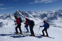 Gipfel mit Blick zur Bernina.