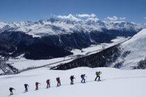 Am Muntische über Madulain, hinten rechts die Bernina