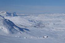 Blick vom Gearggecorru 1418m zum Rombakstotta 1230m, dem Matterhorn über Narvik.