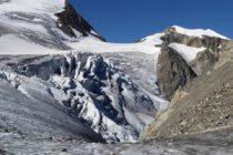 Gletscherbruch mit Vorder Tierberg und Mittlerem Tierberg