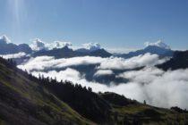 ...über den Wolken. Hinten Civetta, Pelmo und Antelao.